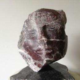 MascaradeMarbre rouge de l'Estrie25cm x 20cm x 15cm