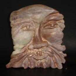 Titre: Dieu Grec ( Il a deux visages voir le photo suivante)Matière: pierre pyraphylliteDimension: H 22cm x L 31cm x P 8cm