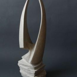 CONVERGENCE  (maquette pour symposium Ville de Boisbriand)Calcaire Indiana26''x 7'' x 7''66  x 18 x 18 cm