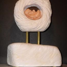 ZoomLimestone et albâtre, tiges de laiton  (2013)29 x 21 x 12 cm